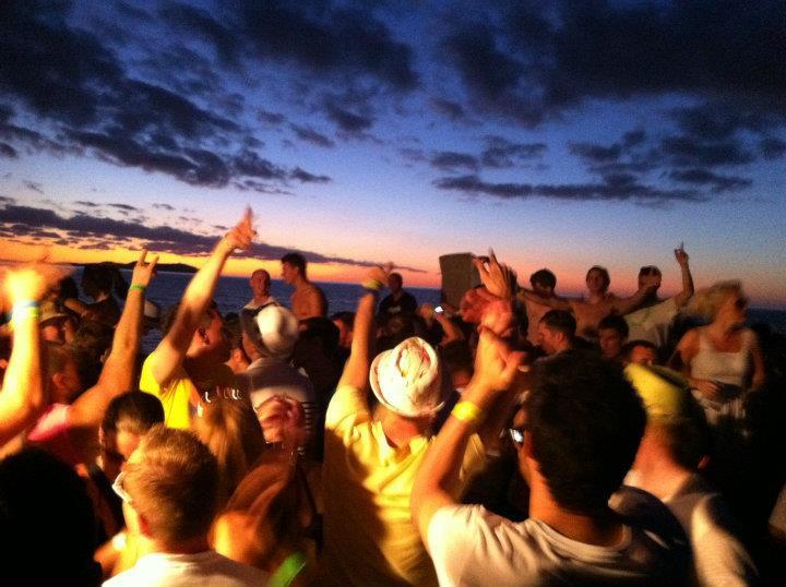Party Hard in Ibiza