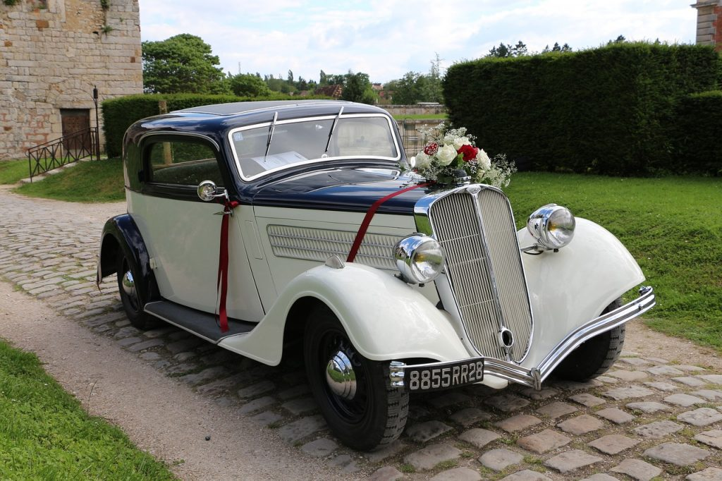 Arrive In Style: 10 Wedding Car Ideas To Help You Make An Entrance ...