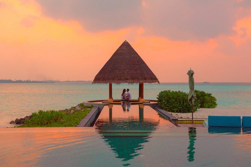 choosing right hotel for honeymoon