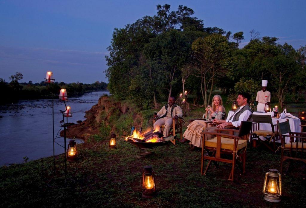 couples enjoying honeymoon