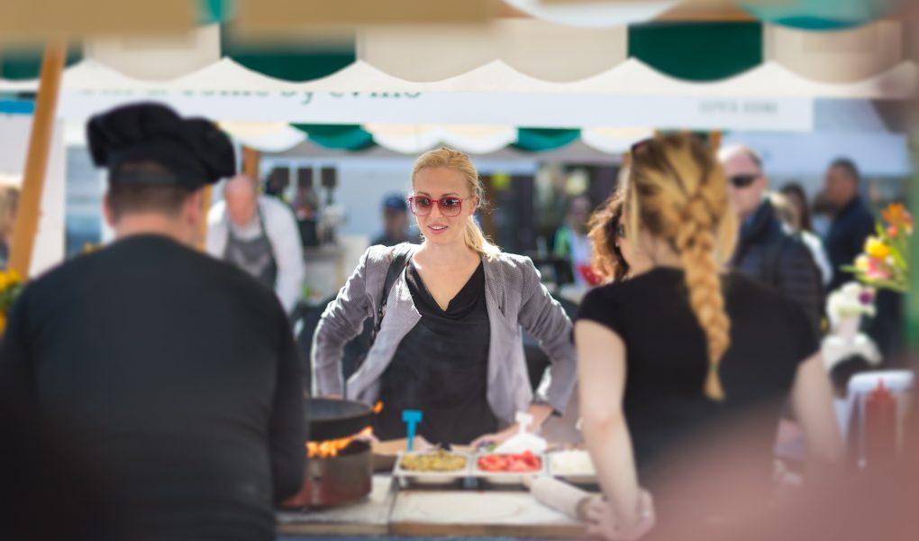 women having street food