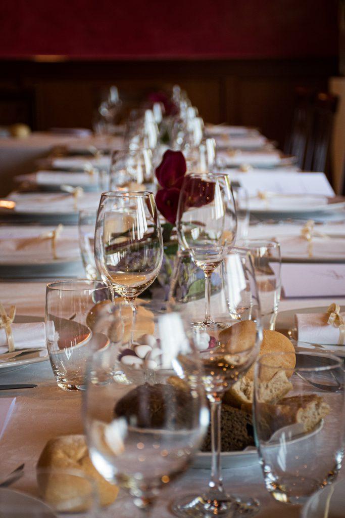 Discuss Dinning styles
