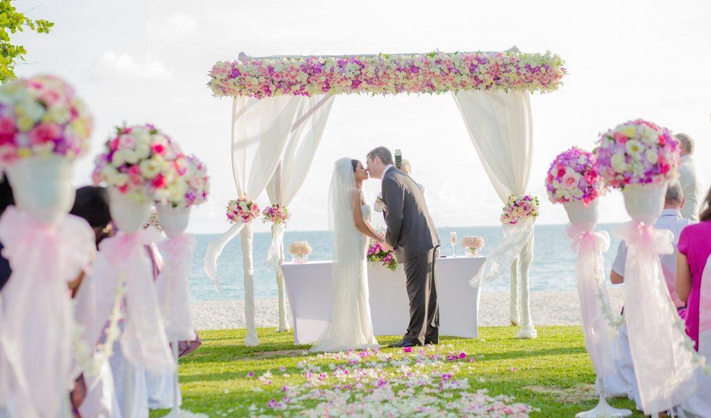 Vaping at Weddings: Faux-Pas or Trendy?