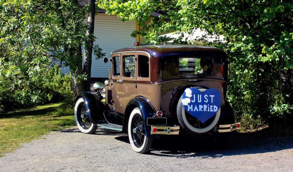 Wedding Ideas for Classic Car Enthusiasts