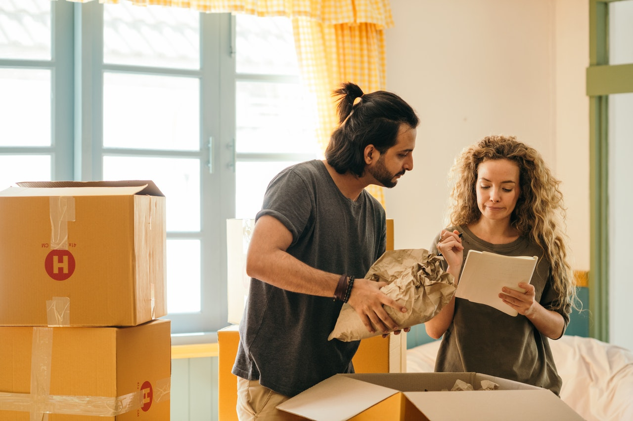 How To Organize Your Personal Belongings When Moving in Together